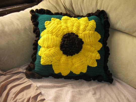 Large Sunflower Pillow Free Crochet Pattern