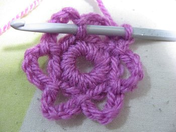 Petite Little Flower With Leaves - Free Crochet Pattern