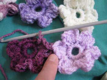 Crochet Flower Puff Pattern : Meladoras Creations Puff Flower Scarf ? Free Crochet Pattern