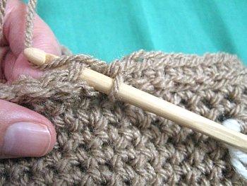 Crochet Ruffle Bag - Free Crochet Pattern