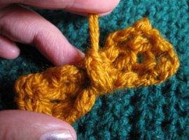 Crochet Puff bow 11