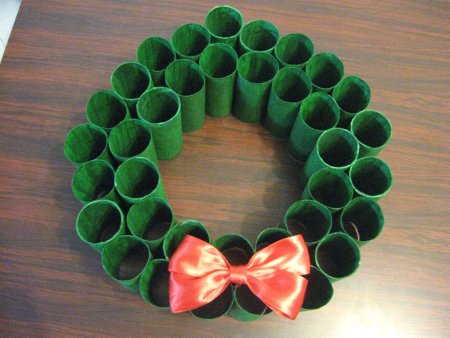 Toliet Paper Roll Wreath - 8 - 1