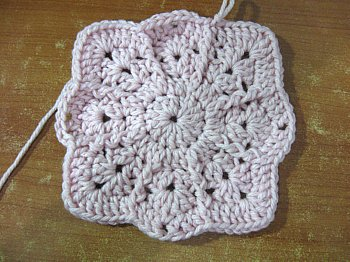 Lilly Pad Granny Square 14
