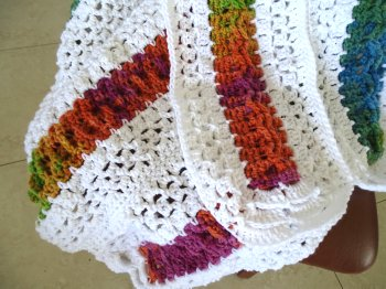 http://www.meladorascreations.com/wp-content/uploads/2015/04/Mile-a-Minute-Celtic-Weave-Afghan-strip-14.jpg-image