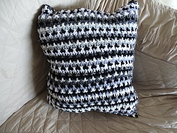 Scrap Yarn Pillow 7