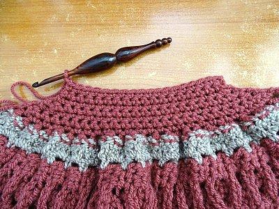 Celtic Weave Strips Hobo Bag 10