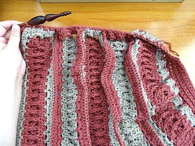 Celtic Weave Strips Hobo Bag 12