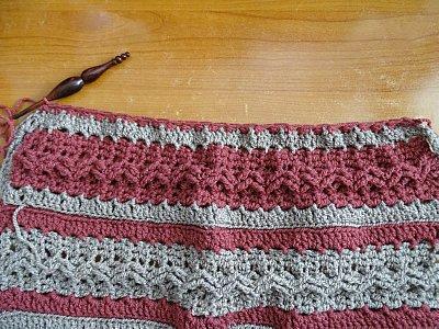 Celtic Weave Strips Hobo Bag 4