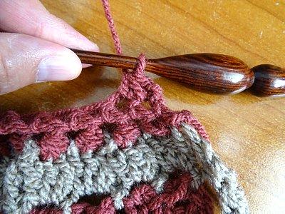 Celtic Weave Strips Hobo Bag 8