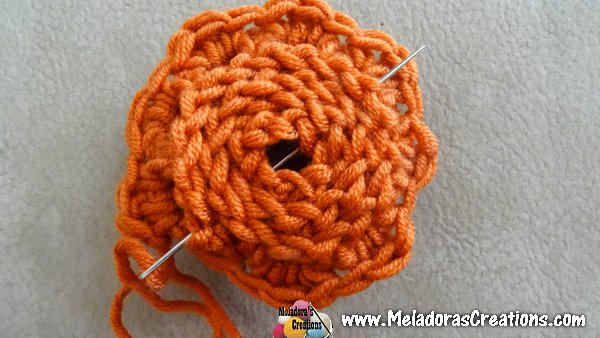 How to Crochet a Rose – Free Crochet Rose pattern