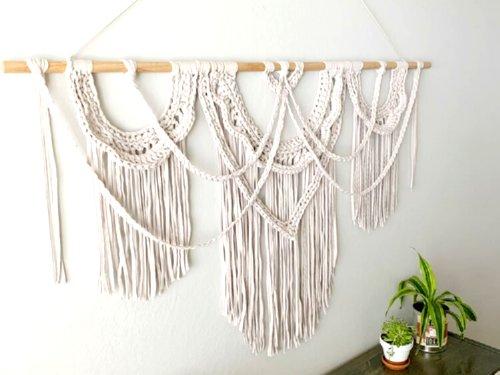10 Free Crochet Wall Hanging Patterns – Crochet Pattern Round up